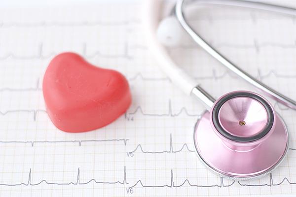 疾患 虚 血性 は 心 と