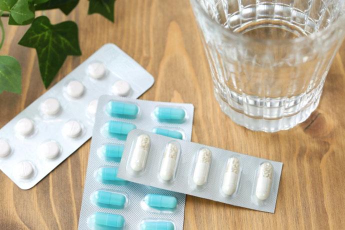 イメージ:薬とお水